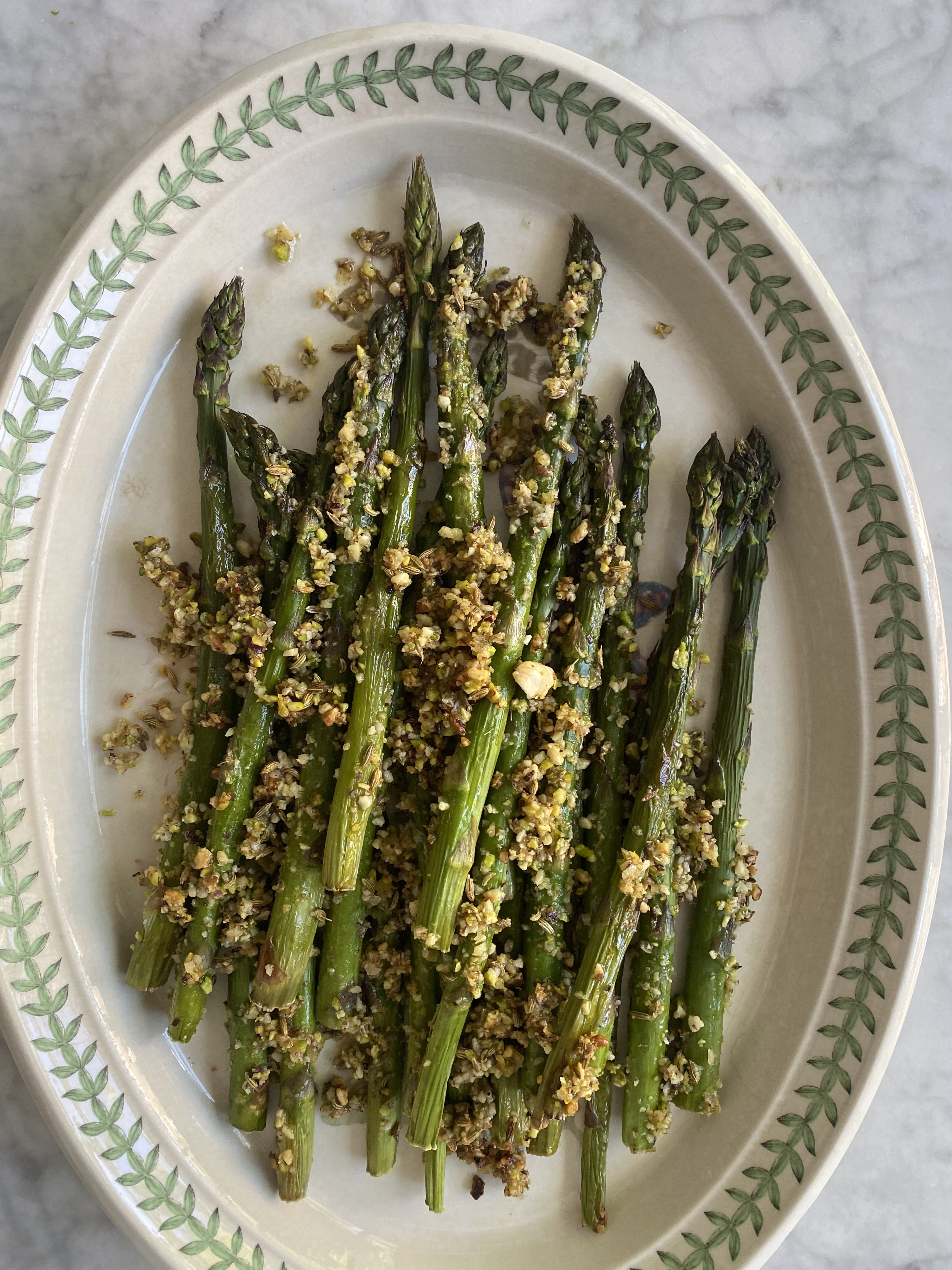 Asparagus, pistachios and fennel seeds